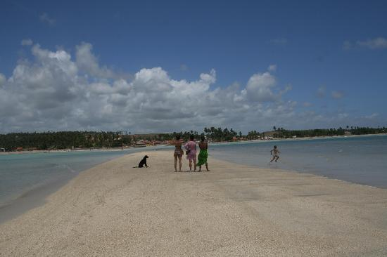 Marau: Tourists Admire View from Sand Spit at Barra Grande Beach