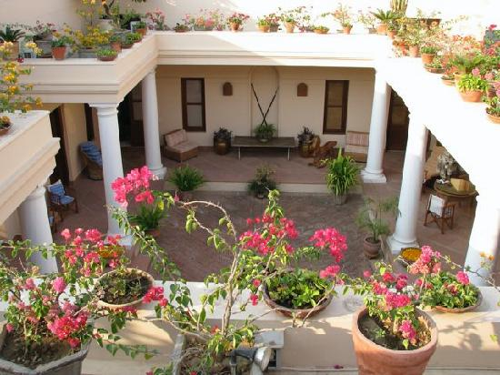 Tikli bottom updated 2018 prices guest house reviews for House with central courtyard