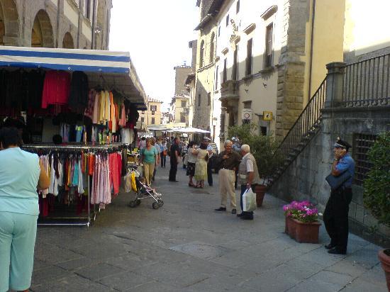 Сенсеполькро, Италия: Market Day