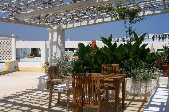 La Peschiera: front patio