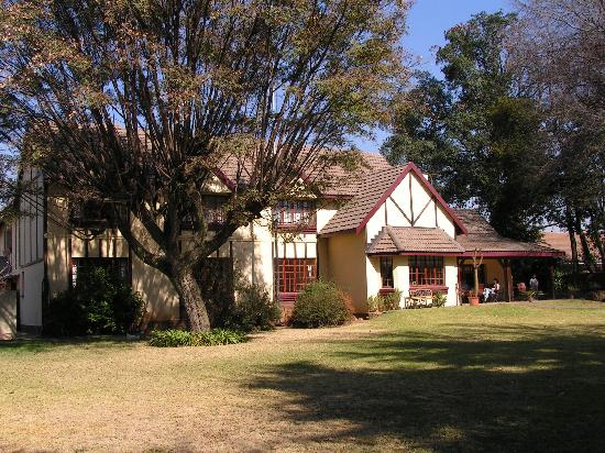 Outlook Lodge: Exterior