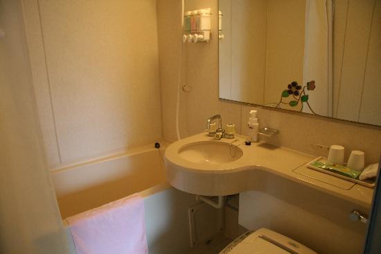 Hotel Hana: The Bathroom
