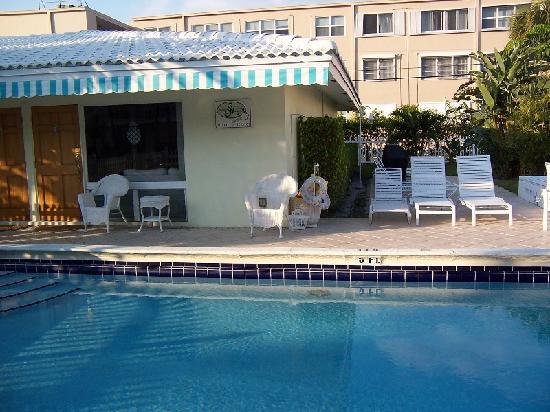 Pineapple Place Apartments: unit 4