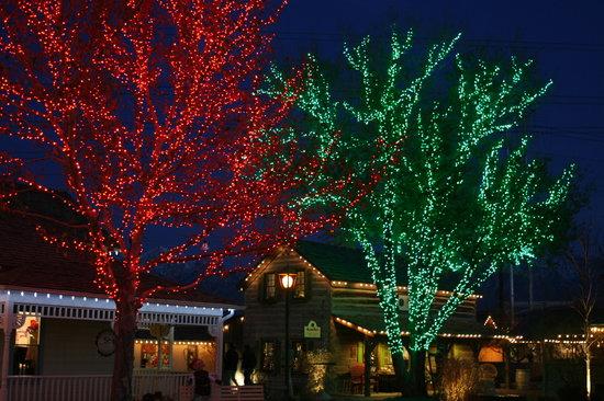 Gardner Village: Red & Green Christmas lights - Red & Green Christmas Lights - Picture Of Gardner Village, West