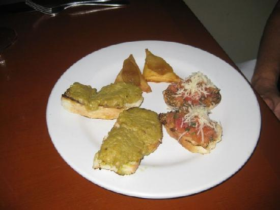 La Cocay: Our appetizer, the bruschetta was excellent as was the other stuff but I don't remember what it