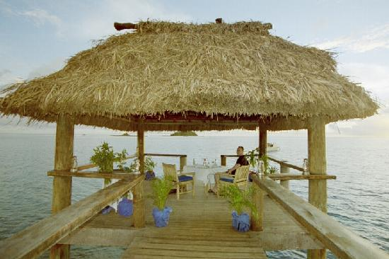 Malolo Island Resort: Romantic Beachside Dinner