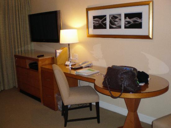 Hotel Amarano Burbank: Room