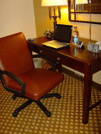 Holiday Inn San Antonio Downtown: I did do a tiny bit of work--great desk.