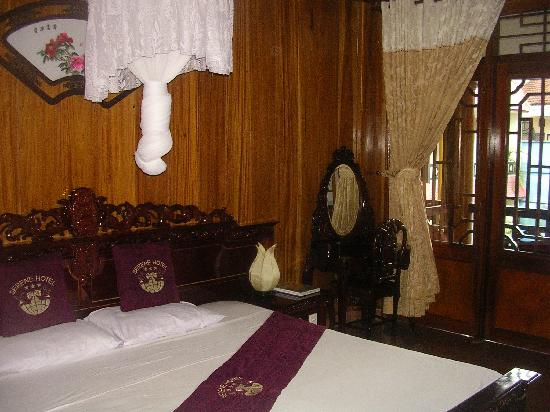 Thanh Binh III Hotel : room