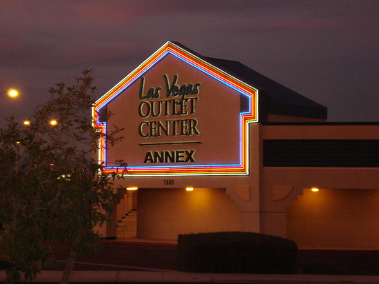Las Vegas Premium Outlets - South : Las Vegas Outlet Center