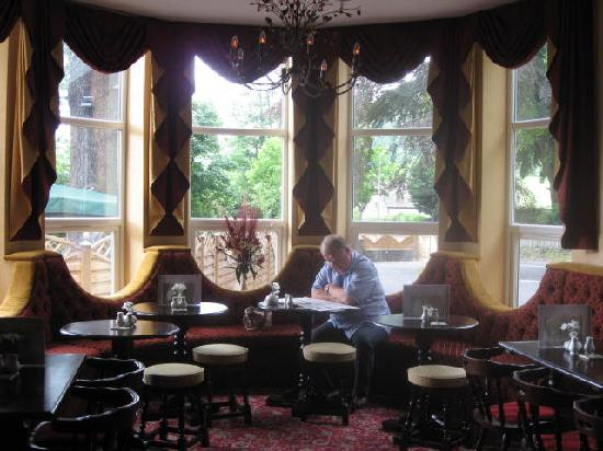 White Waters Country Hotel : Hotel bar
