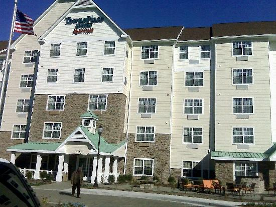 TownePlace Suites Arundel Mills BWI Airport: From parking lot