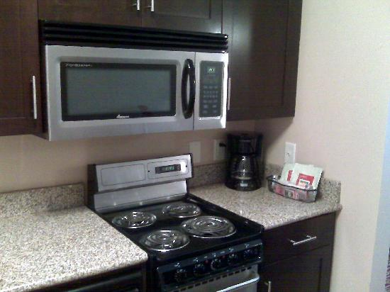 TownePlace Suites Arundel Mills BWI Airport: Kitchen