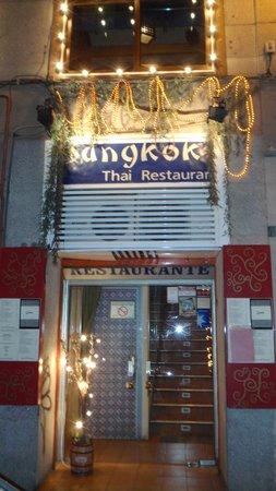 Photo of Asian Restaurant Bangkok Cafe at Calle Bordadores 15, Madrid 28013, Spain