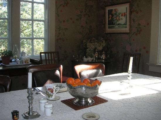 Inman Park Bed and Breakfast: Sun-drenched breakfasts