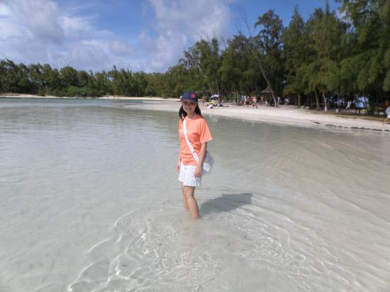 Mauritius: Shallow clear waters