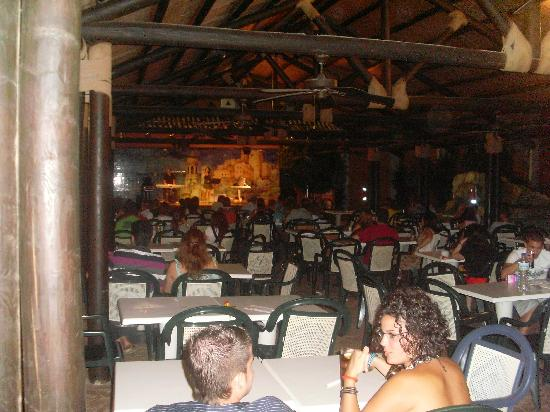 Diverhotel Roquetas: hotel playazul