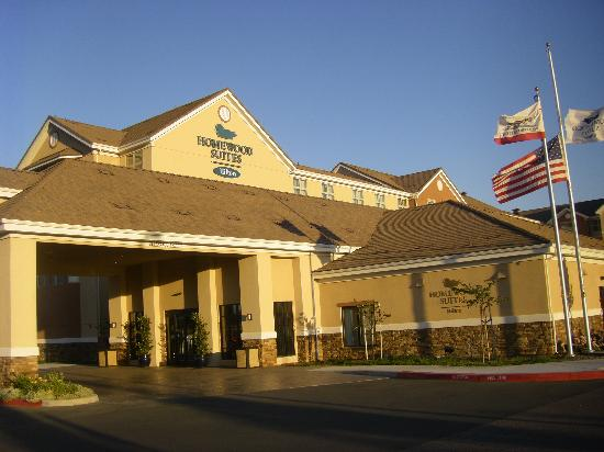 Homewood Suites by Hilton Fairfield - Napa Valley Area : Façade de l'hôtel