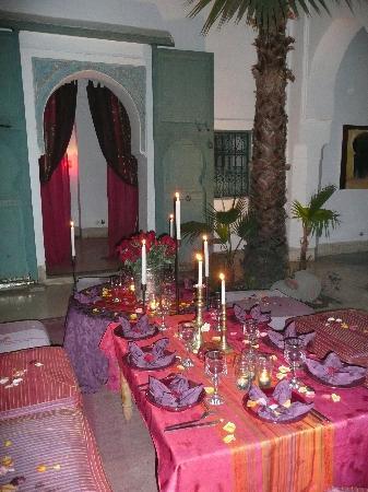 Dar Malak: La table d'une soirée couscous !!!