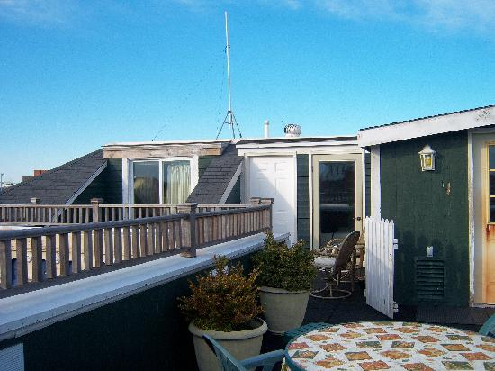 Admiral Fitzroy Inn: Deckcommon area