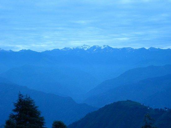 Khajjiar, อินเดีย: Himalayan Range