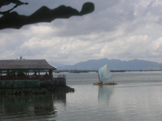 Sipadan Inn: View from the seafood restaurant on the jetty at Semporna