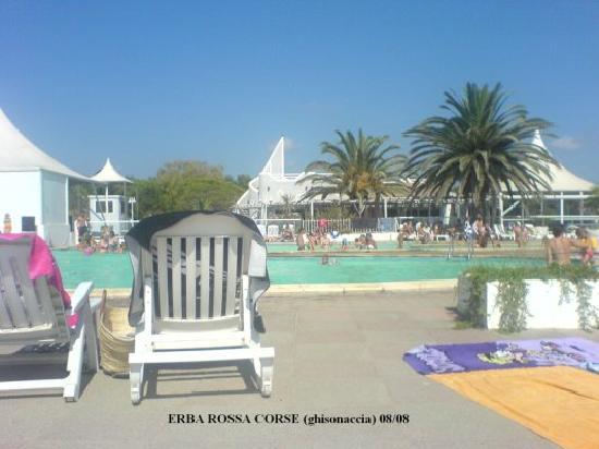 Marina d`Erba Rossa : piscine
