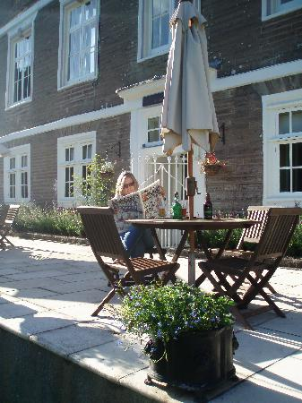 Buckland Tout-Saints Hotel: Lady of the manor!