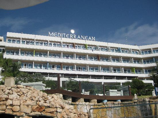 Mediterranean Beach Hotel: Back of hotel in day