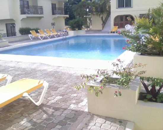 SuperClubs Rooms on the Beach Negril: ROOMSNEGRIL POOL CLEAN AND PRISTINE