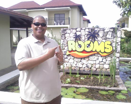SuperClubs Rooms on the Beach Negril: AT THE FRONT GATE OF ROOMS HEADING FOR PATTIES AT MS. SONIA'S