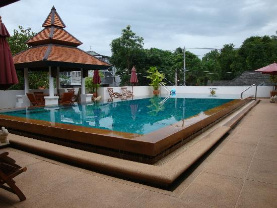 Bodhi Serene Hotel: pool in the daytime