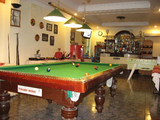 Saigon Cantho Hotel: Bar and pool room
