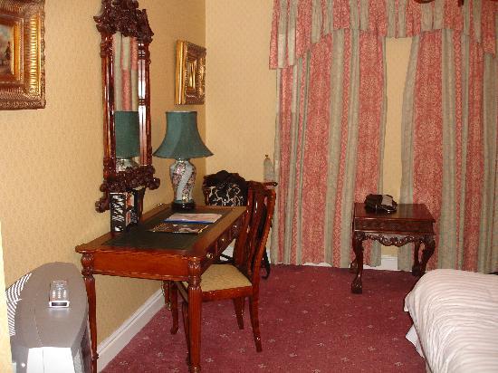 Brook Meadow Hotel: Bedroom