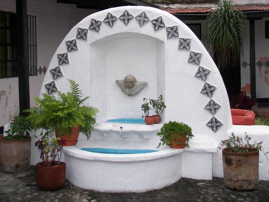 Cafe El Gringo Chapin: fountain