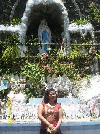 Our Lady of Lourdes Grotto: Lourdes Grotto