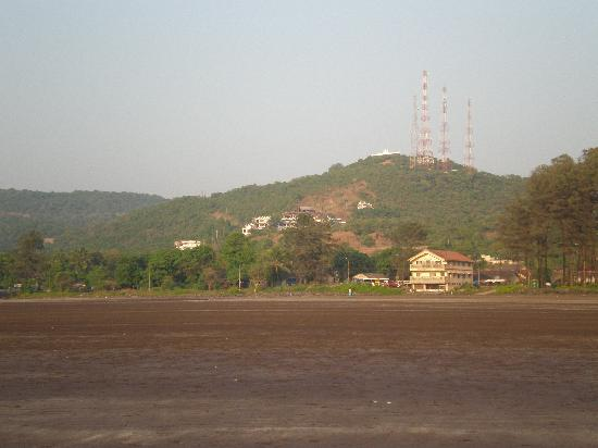 Sand Piper Resort: view from the beach