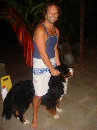 Mai Tai Resort: our host Andre & dog