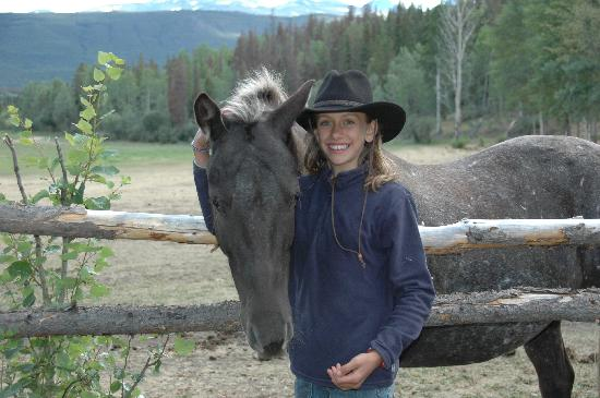 Elkin Creek Guest Ranch: Valeria e Pepper