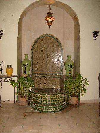 Riad Noor Charana: bassin