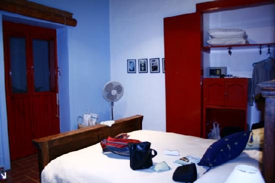 El Zopilote Mojado: the Azul room