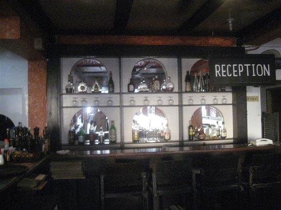 Liebevoll: the bar