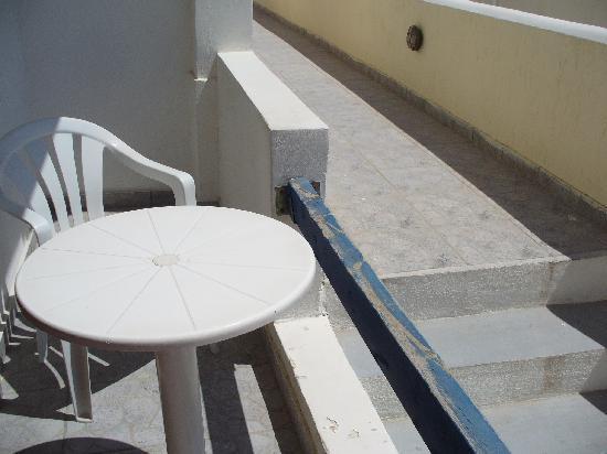 Camille Stephani Apartments : Terrazzo sulle scale!!!!!!!!