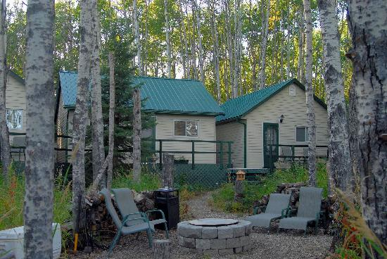 Rising Moon B&B: Cabin and cookhouse