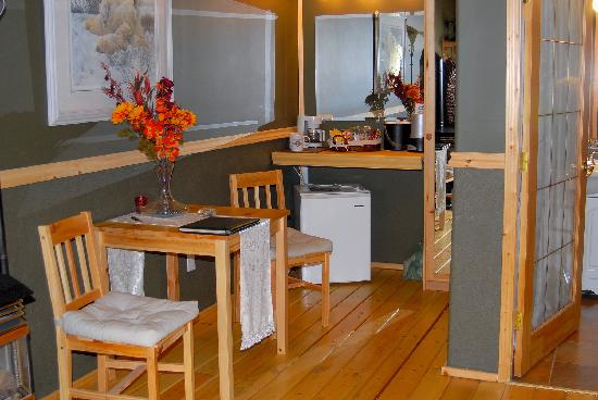 Rising Moon B&B: Table,chairs, refrigerator and plenty of snacks