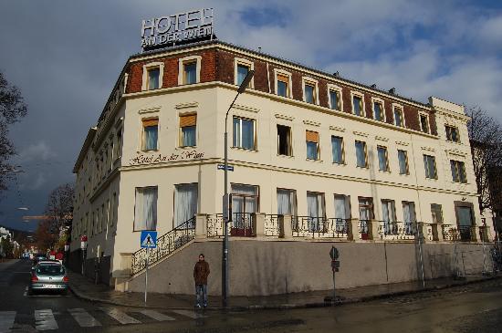 An der Wien: l'hôtel (la gare est juste derrière moi)