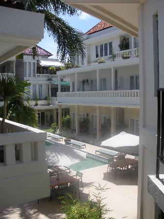 Bali Court Hotel and Apartments: The view from our deck