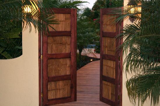 Casa Chameleon Hotel Mal Pais: entrance to resort