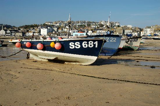 Cornerways B&B: St Ives Harbour Beach