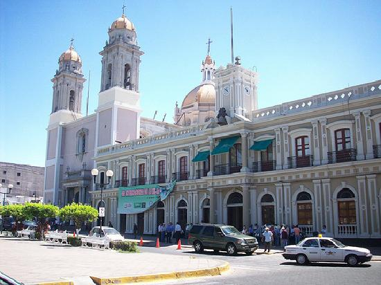 Hotel La Posada: catherdral and governor's office